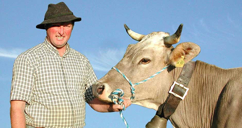 Alle Genossenschaftsmitglieder der Schaukäserei Ammergauer Alpen eG sind Landwirte mit Leib und Seele.